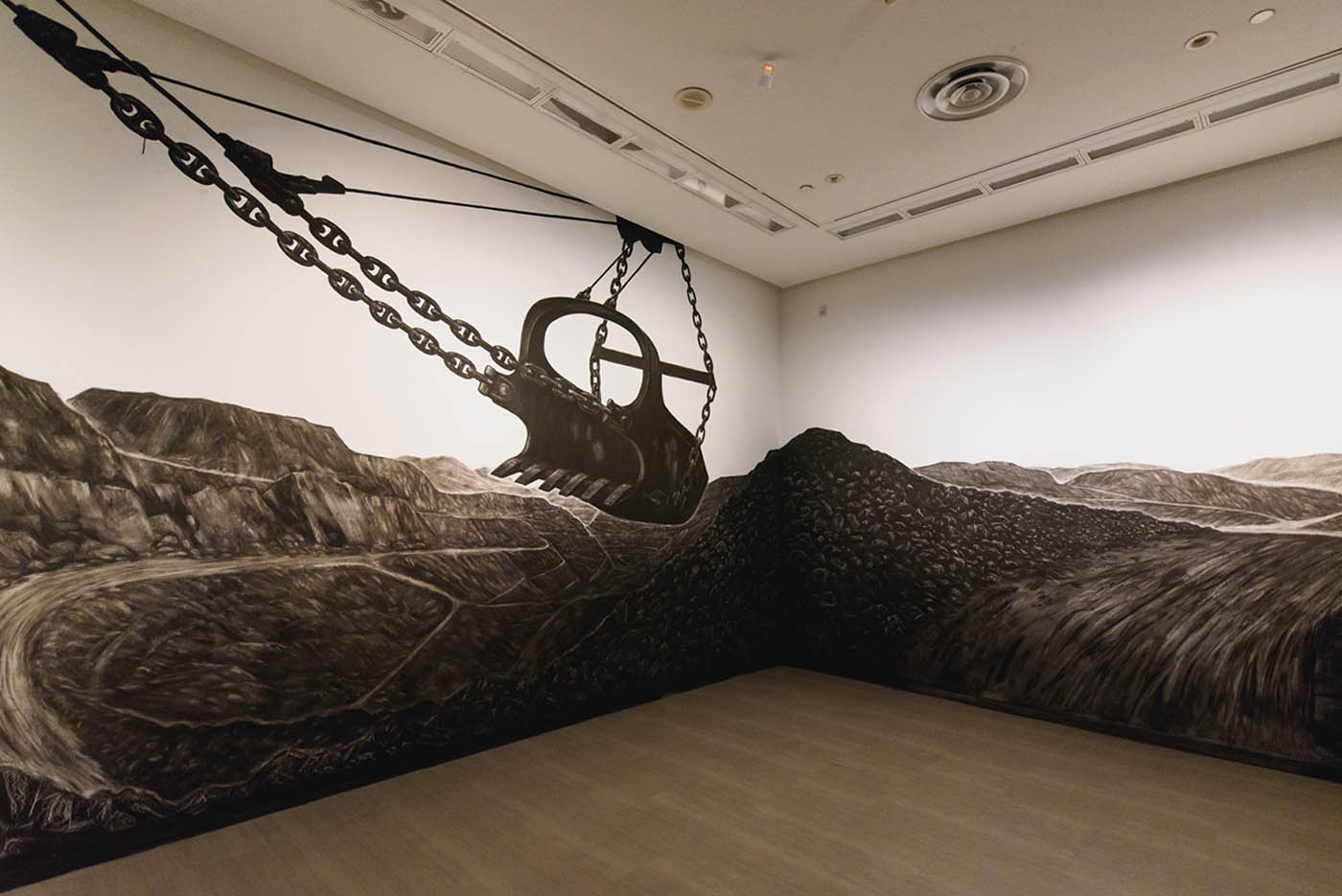 2015 SINGAPORE ART MUSEUM pandora_s_box, charcoal mural, 2015_site-specific_1